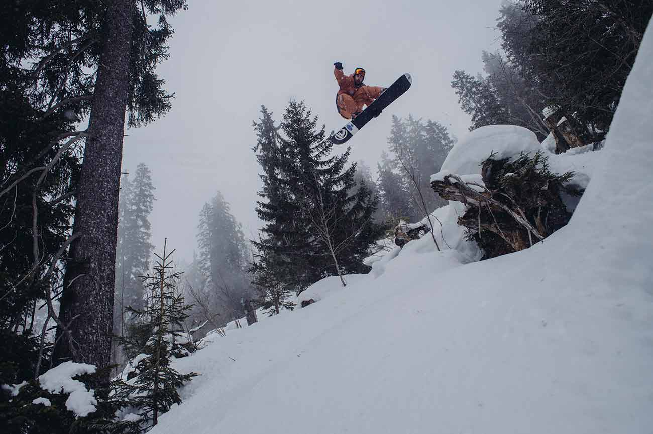 riding park and jibbing snowboards